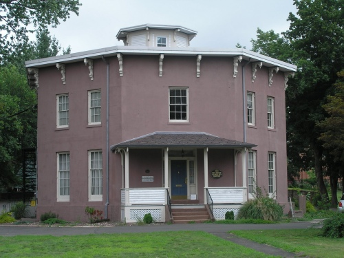 Historic Buildings of Connecticut » Octagon