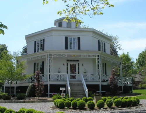 albert-g-stark-octagon-house.jpg
