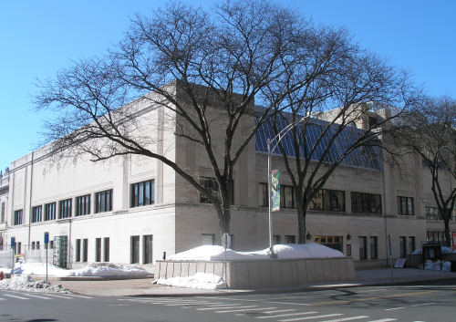The wadsworth atheneum art museum in hartford consists of four connected structures three of them can be seen lined up adjacent to each other