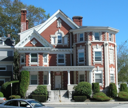 The Chester Or Elias Bragaw House Is A Brick Mansion At Corner Of Broad And Williams Streets In New London Built 1908 Style Second