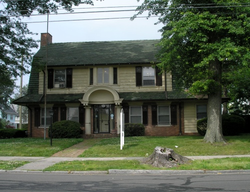 782 Clinton Ave., Bridgeport