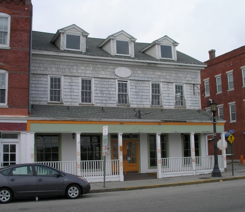 181 Bank St., New London
