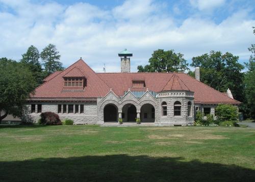 Pequot Library