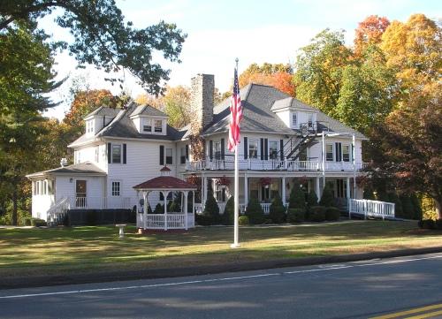 Gilmore Manor