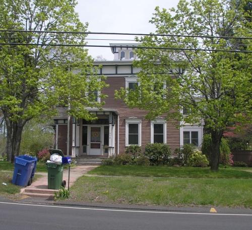 358 Main St., Cromwell