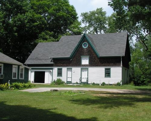 100 Main St. barn